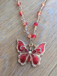 collier-ras-de-cou-papillon-et-perles-de-ve-16676961-pictures-0-14487110-b5111_570x0